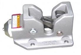 Autocar cab latches